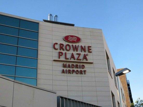 Crowne Plaza Madrid Airport: ホテル外観