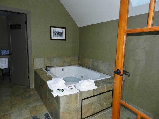 Banff Caribou Lodge & Spa: Jaccuzzi