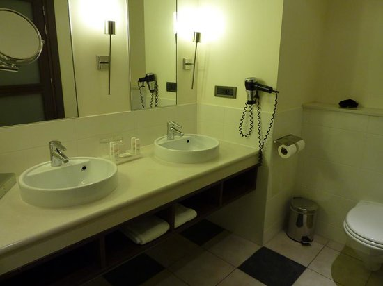 Radisson Blu Hotel at Disneyland Paris : cuarto de baño