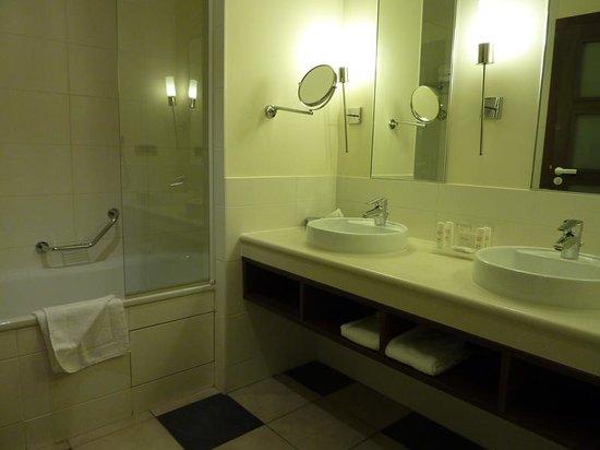 Radisson Blu Hotel at Disneyland Paris : baño
