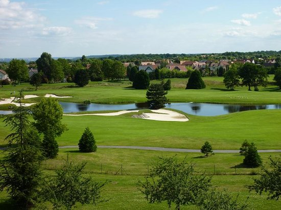 Radisson Blu Hotel at Disneyland Paris: vistas al campo de golf