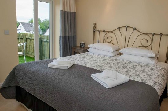 Oak Tree Inn: A deluxe room in one of our cottages.