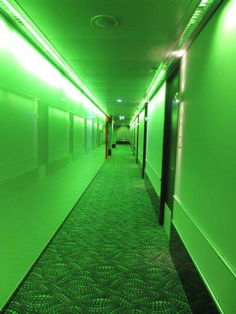Qbic Hotel Amsterdam WTC : Flur