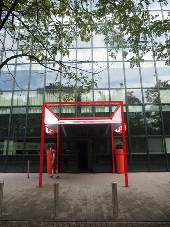 Qbic Hotel Amsterdam WTC : Eingang Hotel