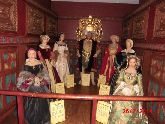 Yesterday's World: Henry V111 & his wives