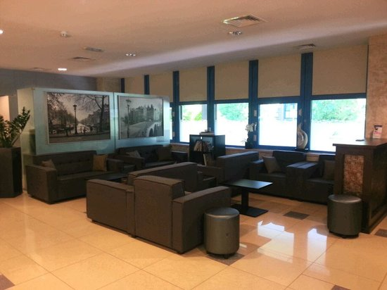 BEST WESTERN Blue Square Hotel : Lobby