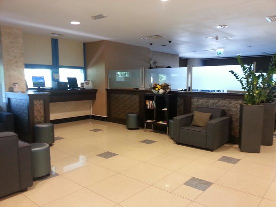 XO Hotels Blue Square : Bussines Corner/Lobby