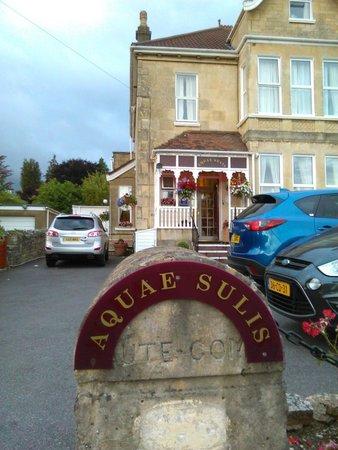 Aquae Sulis Guest House: the entrance