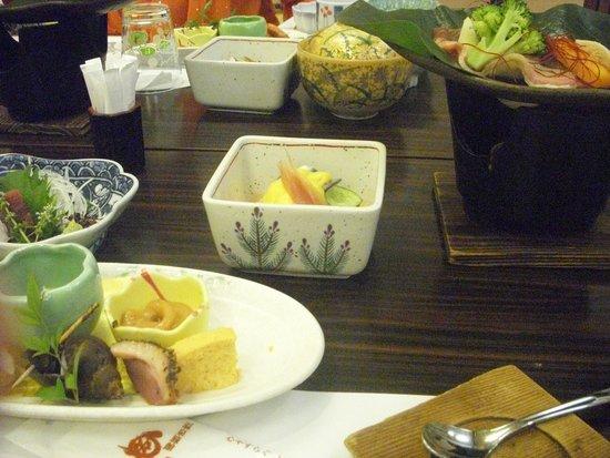 Okuyamaga Onsen Ryokan: 懐石料理
