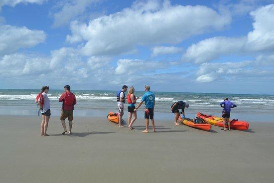 Paddletrek Kayak Adventures : Taking a lunch break
