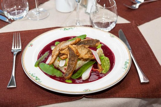 Restaurant les tournesols 6 rue du pamphiot in thonon for Ai cuisine thonon