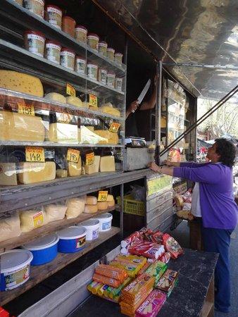 Feria de Tristan Narvaja: Cheese shop at Feria de Tristán Narvaja.
