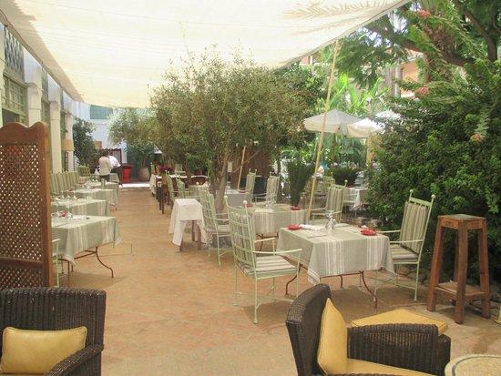 La terrasse restaurant photo de les jardins de la medina for Le jardin de la medina