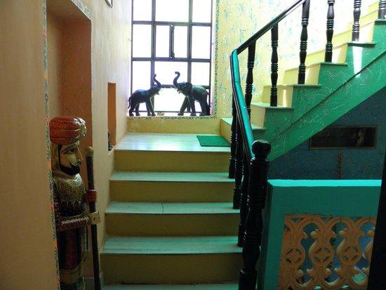 Hotel Moonlight Pushkar : escaliers