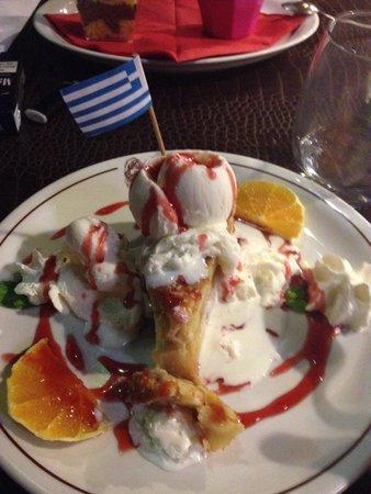 Eva Taverna: Torta di mele con gelato. Ottima!!!