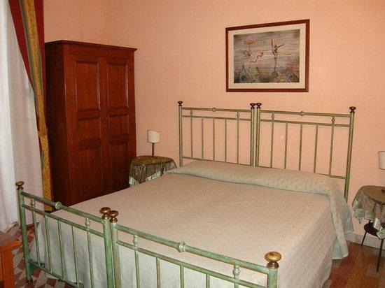 Hotel Posta: Dormitorio