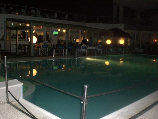 Sea Park SPA Resort: Dinner by the pool