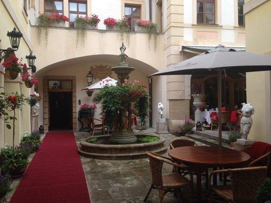 Aquarius Restaurant : Cortile interno