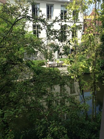 Walwyck Hotel Brugge : Room View on Canal