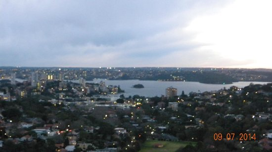 Meriton Suites Bondi Junction: Harbour View.