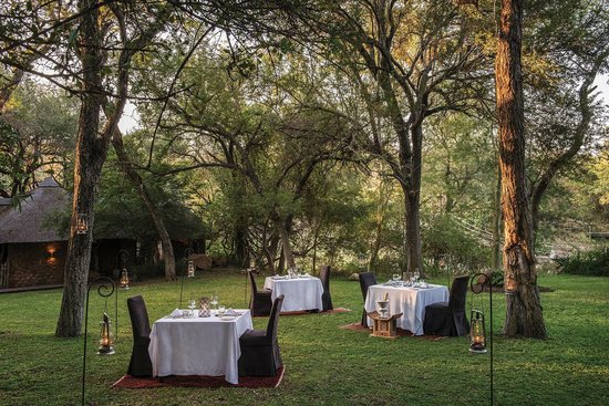 Dulini Lodge: Lawn Dinner