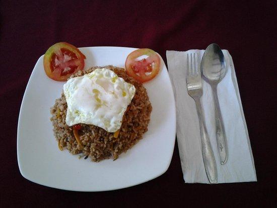 Brata Inn: Nasi Goreng for Breakfast