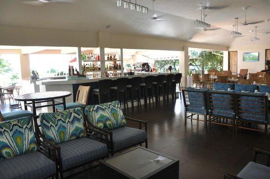 Radisson Grenada Beach Resort: Bar