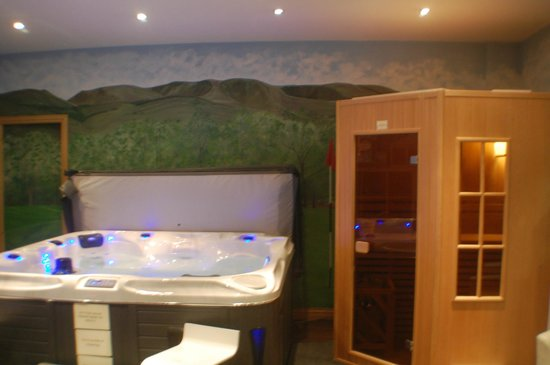 Aviemore, UK: Hot Tub & Sauna