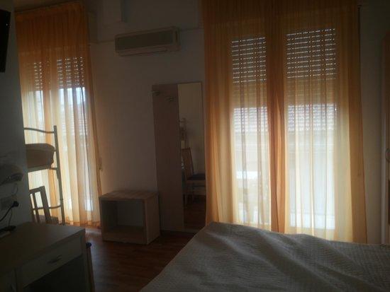 Hotel Stresa: particolare della stanza