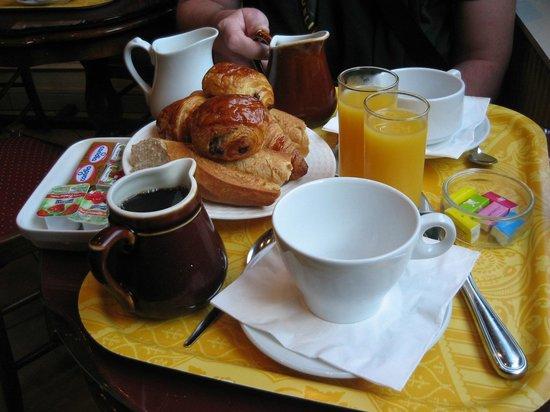 Familia Hotel: Frukost för två