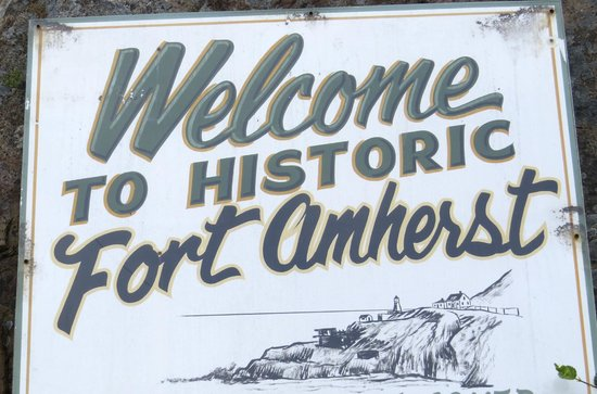 Fort Amherst Lighthouse: Welcome Sign