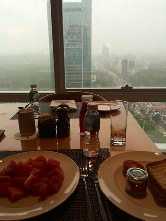 The Westin Mumbai Garden City : 18th floor