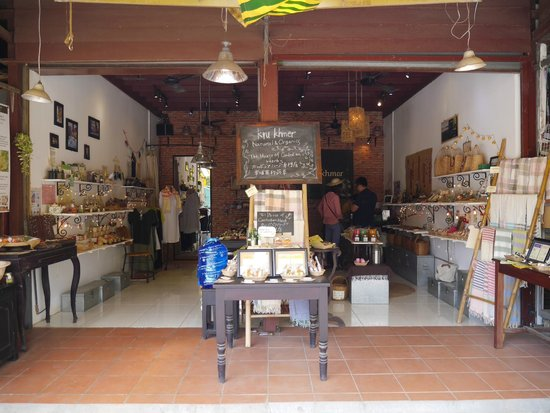 Kru Khmer Botanical, Old Market Shop