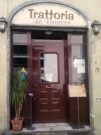 La Burrasca: L'ingresso