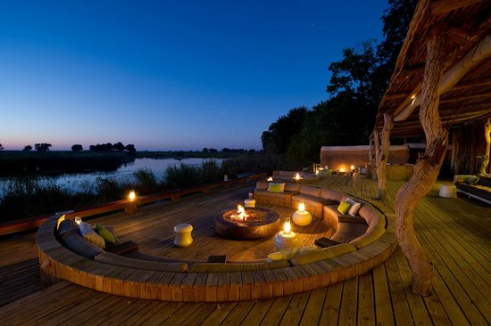 Wilderness Safaris Kings Pool Camp: Fire pit/ Sunken Lounge at Kings Pool