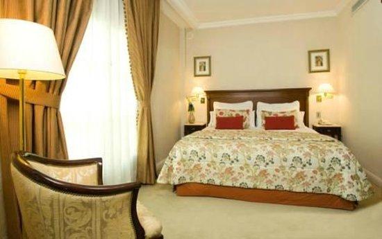Howard Johnson 9 De Julio Avenue Hotel