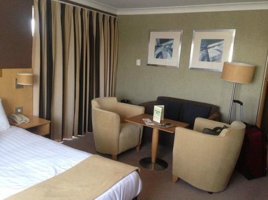 Holiday Inn A55 - Chester (West): Extra seating executive room