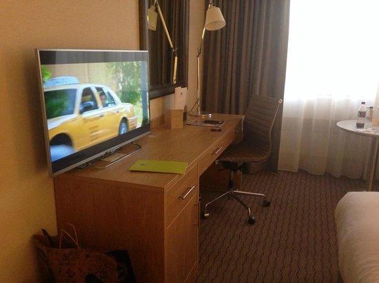 Clayton Hotel Burlington Road: TV