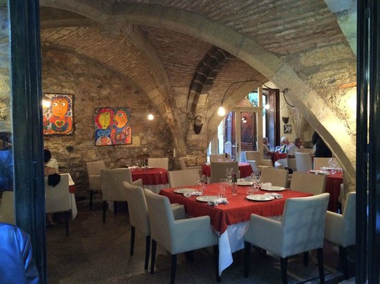 Innenraum foto van la table d 39 emilie marseillan - Restaurant la table d emilie marseillan ...