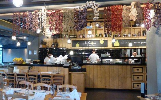 Lemoni Grill House: Kitchen view