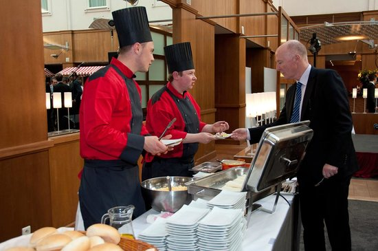 Holiday Inn Gent Expo: Atrium restaurant: multifunctional for all kind of events