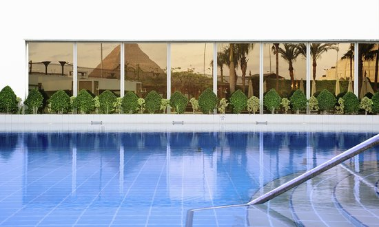 Mercure Cairo Le Sphinx: Swimming pool