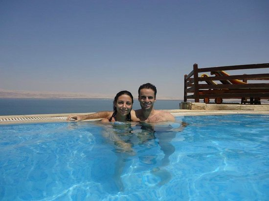 Jordan Valley Marriott Resort & Spa: A piscina com borda infinita!