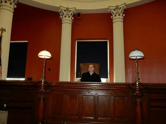 Old Courthouse : Tour guide let us play judge!