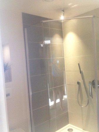 Sands Hotel: Shower