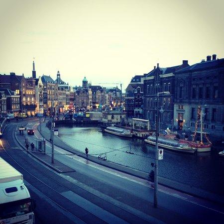 Hotel des Arts Amsterdam: вид из окна