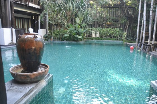 Yantarasiri Resort : Pool