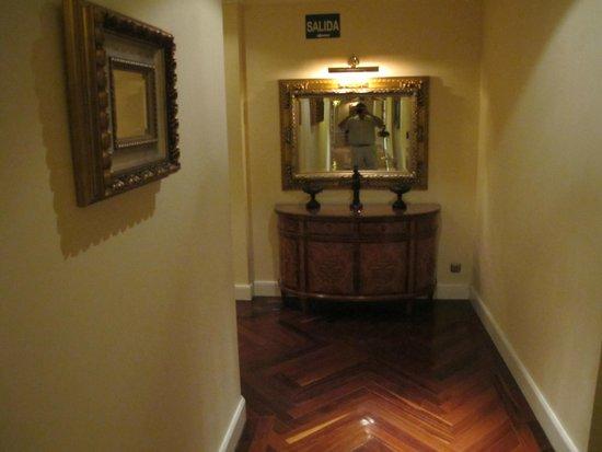 Hotel Alameda Palace: Vista del pasillo de circulación