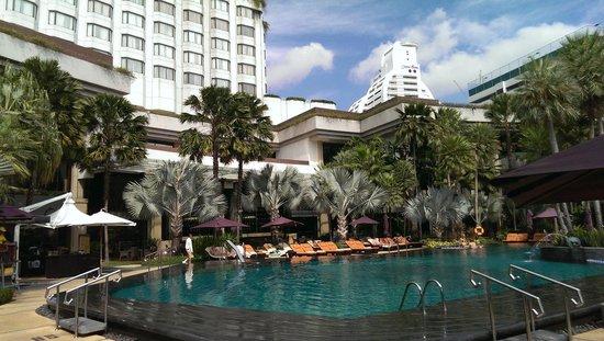 Shangri-La Hotel,Bangkok : pool