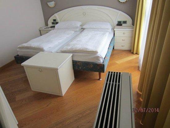 Hotel Garda - TonelliHotels: Room